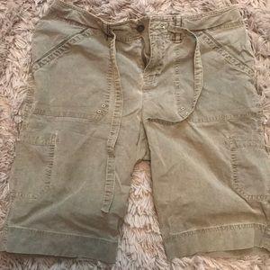Olive green bermuda shorts cargo